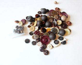 Vintage Misc Brown Buttons