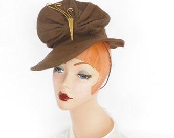 1930s tilt hat, vintage art deco, brown percher fascinator