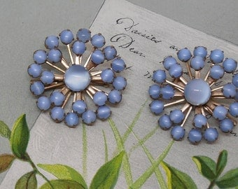 Pair of Matching Vintage Blue Moonglow Snowflake Mini Brooches    MDW16
