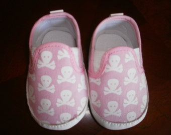 Baby Skull Crib Shoes, Canvas Shoes, Black Canvas Skulls Shoes, Crib Skulls Shoes, Baby Shoes, Crib Shoes