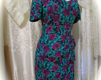 Vintage Floral Dress, 90s turquoise purple, soft rayon dress, short sleeves, sexy fitted tailored fit, womens 9/10