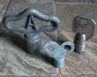 3 Vintage Specialty Winding Keys Assorted Steampunk Assemblage Altered Art Mixed Media Supplies