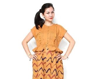 ON SALE Vintage 70s Dress / 70s Rusty Yellow Ruffled Chevron Peplum Dress / Linen Sheath Dress, Medium