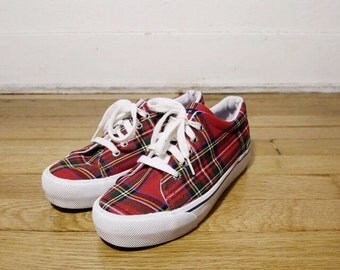 90s womens Tommy Hilfiger plaid platform lace up sneakers size 8