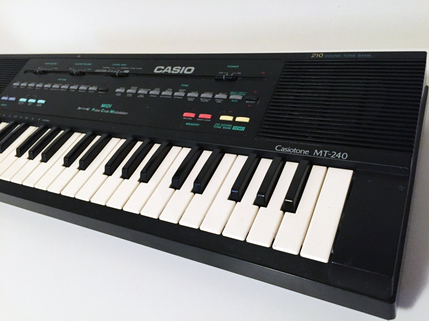 vintage casio mt 240 keyboard midi synthesizer circuit bending. Black Bedroom Furniture Sets. Home Design Ideas