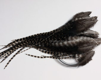 Craft Feathers Black Grizzly Rooster Saddle Natural Feather Plume for Hair Accessories Black and White Feathers for Crafts, 30 4-9inch