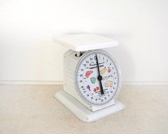 Vintage Kitchen Scale - American Family Scale