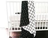 Baby Crib blanket - XL reversible black grid/black arrow