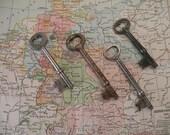 4 ,  Vintage skelton keys , 2 long , 2 short
