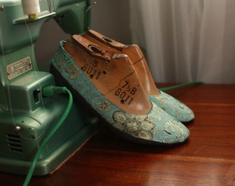 US 9 / Euro 39 / UK 7.5 Aqua blue silk shoes, #576