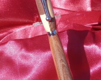 Handcrafted wooden twist type pen, Ohia and Banyan