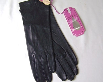 Vintage Gloves Black Leather Ladies Size 7 Soft Buttery Leather NOS Grandoe Soapable Leather 100% Silk lined 1960s
