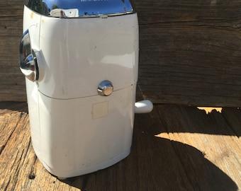 Ice O Mat Ice Crusher, Vintage Barware, Farmhouse Kitchen, Ice Crusher