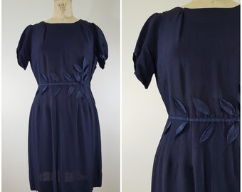 Vintage 1960s Dress / 3D Leaf Appliques / Navy Blue Shift Dress / Medium
