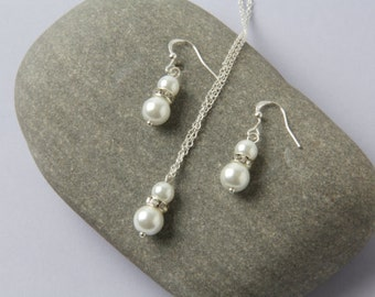 Wedding jewelry set, White pearl earrings and necklace set, white wedding Jewelry, white bridesmaid jewelry set, Bridal party gift