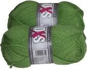 Solid Soxs 100gr German self striping superwash sock yarn Grundl, color Green