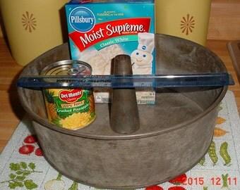 RARE 1930s Galvanized Funnel Cake Pan, Heavy Duty Bundt Cake Pan, Exlarge Primitive Tube Cake Pan