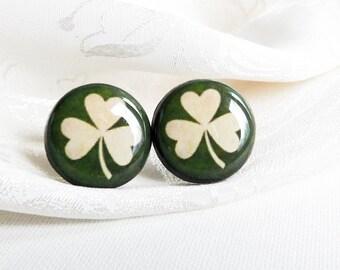 St. Patrick's Day earrings- St Patricks day earring studs- Green leaf earrings- Shamrock Stud Earrings-Four leaf clover earrings