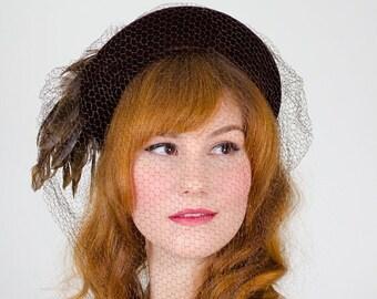 30% OFF SALE / 1940s vintage hat / fascinator / Brown Birdie