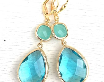 Aquamarine and Mint Aqua Dangle Earrings in Gold. Drop Earrings. Bridesmaids Earrings. Gift. Wedding Jewelry. Aqua Dangle Earrings. Gift.