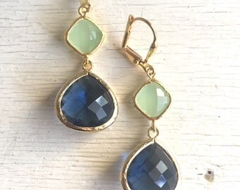 Sapphire Blue and Mint Dangle Earrings in Gold.  Fashion Gold Dangle Earrings.  Drop. Bridesmaids. Wedding Jewelry. Bridal Jewelry. Gift.