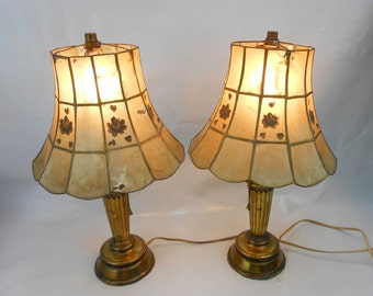 vintage brass lamps with Eisenglass shade two matching brass lamps Bakelite plug pull chain on off bedside lamp eisenglass Isinglass