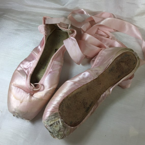 Vintage pink satin ballet pointe shoes for decor shadow for Ballet shoes decoration