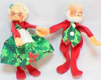 Annalee Doll Holiday Pair Mr and Mrs Santa Claus with Holly Dress and Vest 1963