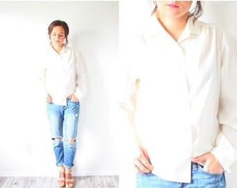 20% OFF BIRTHDAY SALE Vintage cream boho long sleeve blouse // silk feel off white blouse // boho top // cream blouse // ivory blouse // fan