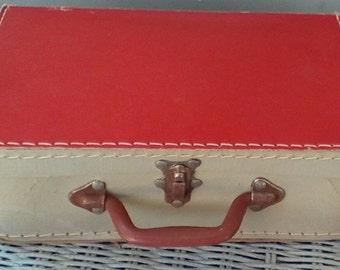 Vintage Cardboard Suitcase.  Made in Spain.  Y-003