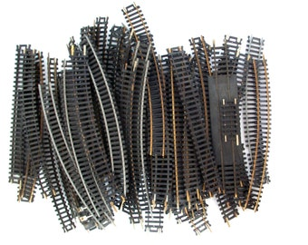 vintage Atlas HO gauge train tracks . vintage train railroad tracks . toy train supplies . toy train tracks . replacements electronic train