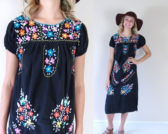 vtg 70s black EMBROIDERED colorful flowers MEXICAN DRESS xs/s hippie floral boho festival ethnic