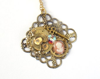 "Victorian Steampunk Necklace ""Fragments of the Past"""