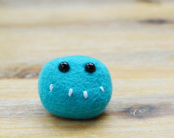 Needle Felted Blue Monster Face Brooch - Bright Blue Pheeple Face Pin