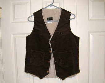 1970s Wrangler Dark Brown Corduroy Vest / Sherpa Lining / 38 To 40 Chest / USA Made / NICE