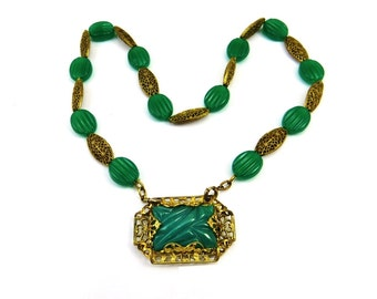 Green Art Deco Necklace, Brass Necklace, Chrysoprase Glass Necklace, Emerald Green Jewelry, Art Deco Brooch, 1930s Vintage Jewelry