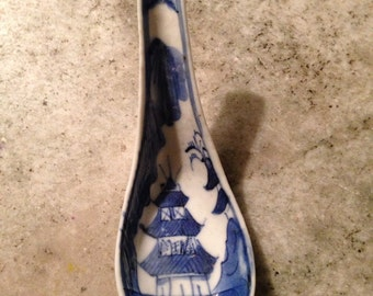 vintage chinese hand painted porcelain spoon