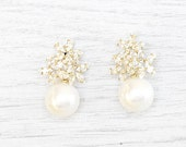 GOLD or SILVER Pearl stud earrings. Bridal Earrings. Crystal Bridal Jewelry. Crystal stud Earrings. Wedding pearls Earrings. Bride pearl