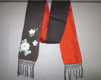 "1940's Long Silk Scarf or Tie With Fringe // Robe Tie, Obi, Neck Scarf // Silk Screened  // Black Red Silk...5 1/2"" X 68"" plus 5"" fringe"