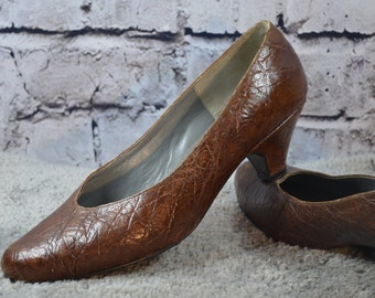 SALE - vintage BEN & SONS handcrafted brown leather reptile texture pumps heels - classic brown leather pumps - classic brown pumps