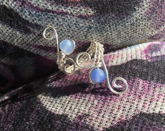 Sterling Silver Wire Wrapped Ring With Blue Dragons Vein Agate Beads