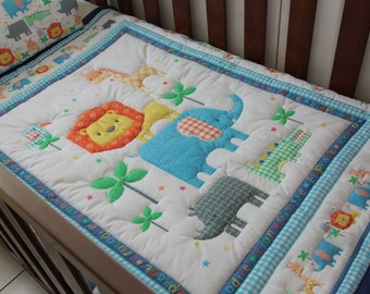 Quilt Baby Zoo Buddies with matching Pillow Case