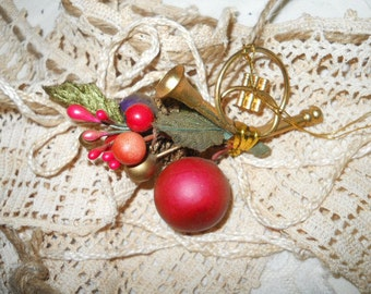 Vintage French Horn And Holly Berries Christmas Ornament Tree Decoration Package Tie- On