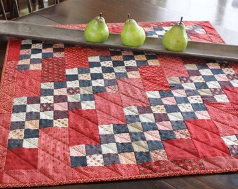 SALE! Petite French Flowers Quilt