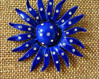 vintage 60s enameled blue rhinestone flower pin brooch starburst mod scooter girl flower power