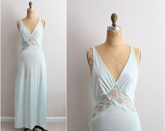 70s JC Penney Seafoam Slip Dress/ Wedding Nightgown / 1960s Lace Slip Dress / Vintage Nightgown / Size S/M
