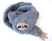 Sloth scarf -grey