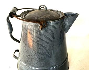 Vintage porcelain enameled granite ware kettle