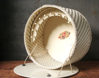 Vintage sewing basket, Princess basket