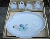 Vintage 1950s Patio Snack Set Atomic Age Dishes and Cups with Flower (Marijuana Leaf?) Design Original Box